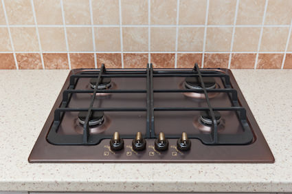 Fitting-a-gas-hob-in-the-countertop